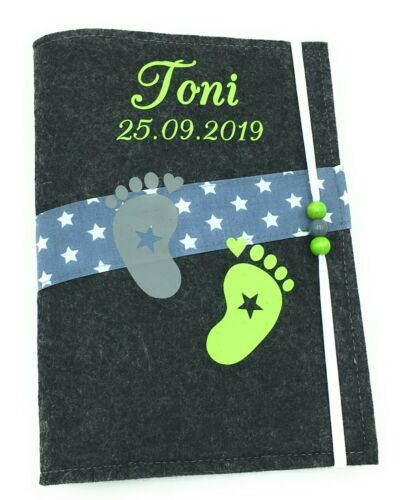 U-Heft Hülle aus Filz mit Namen und Impfpassfach Füsse Grün taufgeschenk Baby