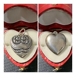 Vintage-1940-s-Sterling-Silver-Repousse-Puffy-Heart-Bracelet-Charm