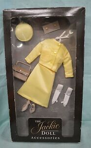 Details about Jackie Kennedy Doll Vive Jacqui Yellow Dress Hat Accessories  Franklin Mint NRFB