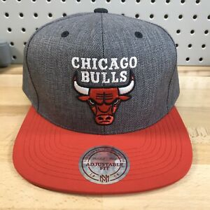 Chicago Bulls NBA Basketball Mitchell & Ness Grey Snap Back Hat EUC Snapback Cap