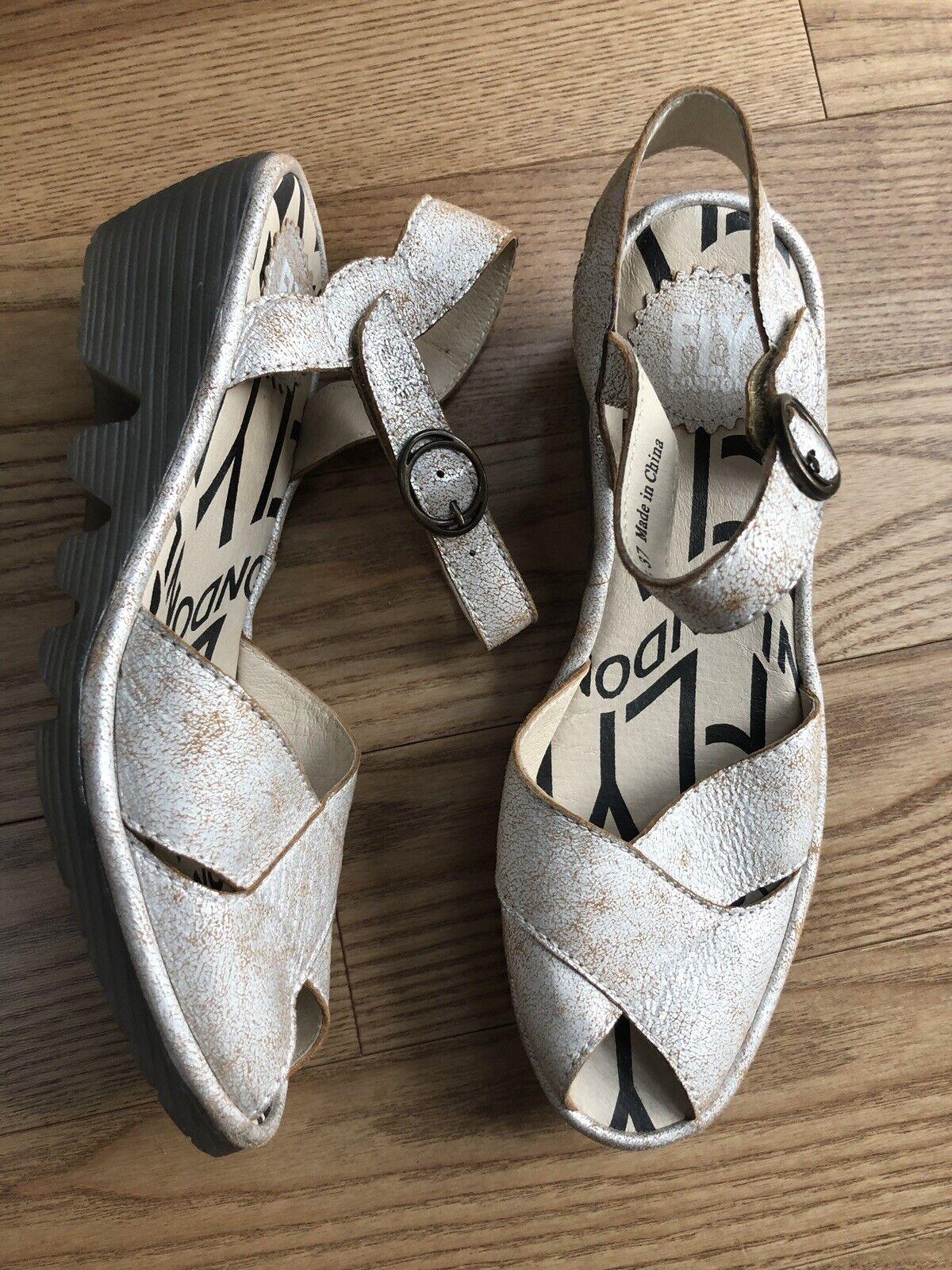 New   FLY London Women Pero Silver Metallic Crackle Peep Toe Wedge Sz 37