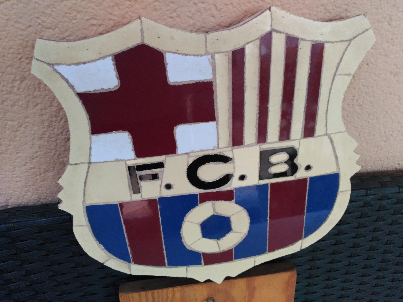 Magnífico escudo del F.C.Barcelona artesania rústica vintage'97. Coleccionistas