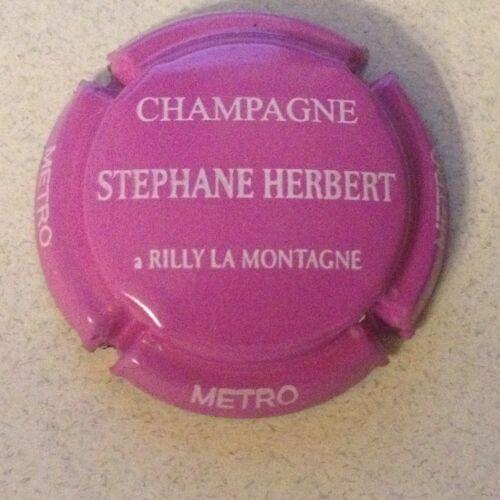43d. Rouge et blanc Capsule de champagne HERBERT Stéphane cuvée METRO