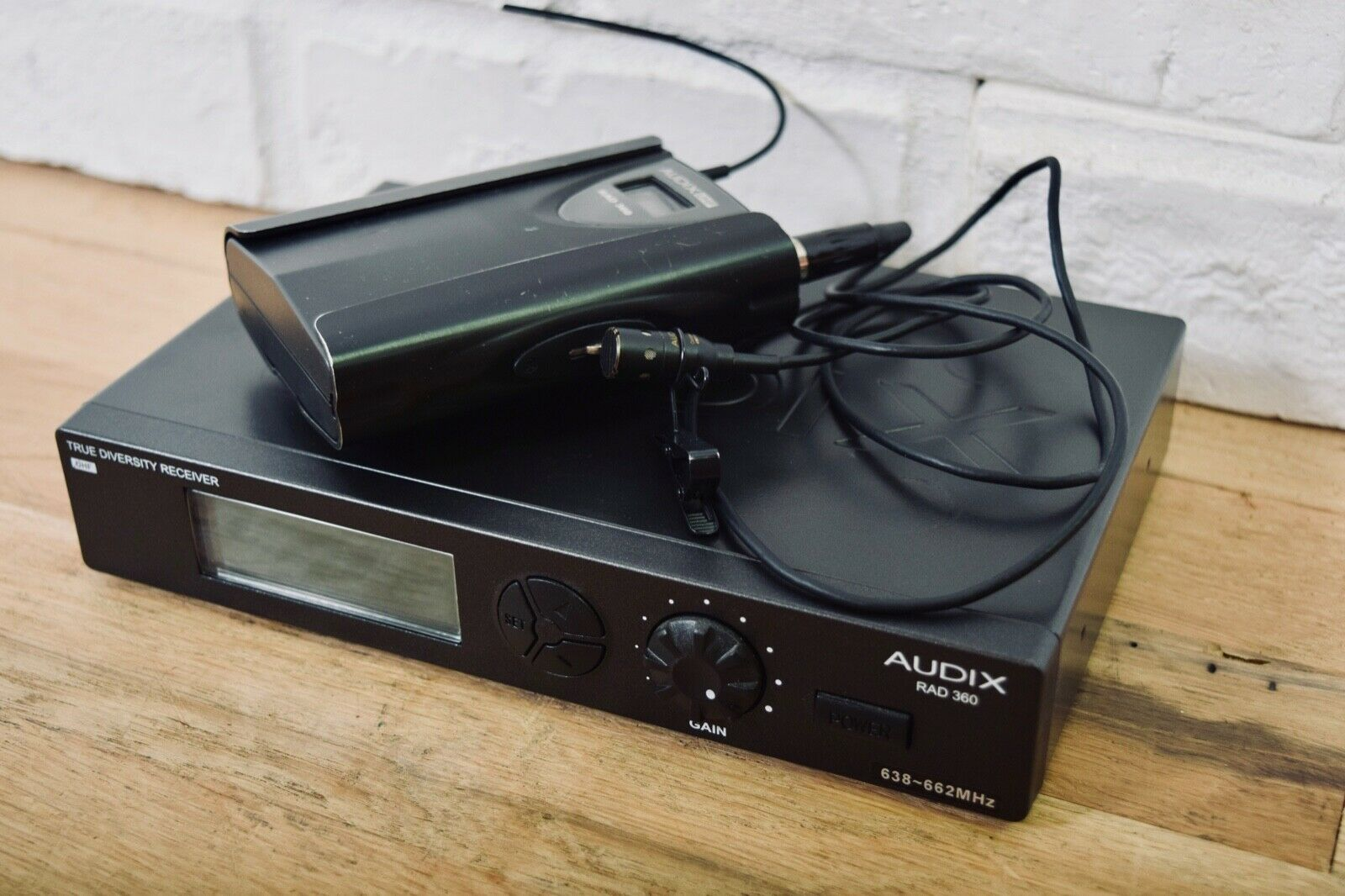 Audix RAD 360 wireless microphone system with Lapel mic 638-662 mhz excellent