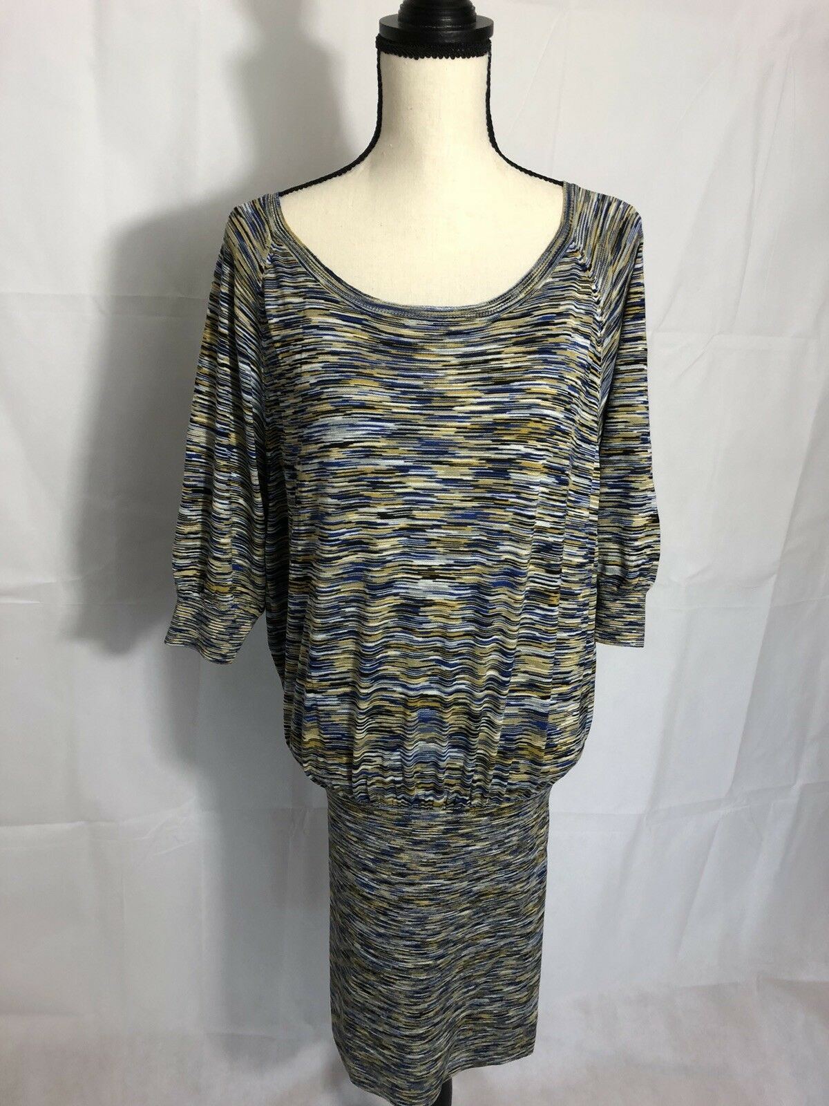 Sexy BCBG Maxazria Sweater Size XS blueE COLOR For Women