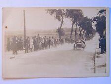 04D15 CPA PHOTOGRAPHIE CARTE PHOTO SNAPSHOT COURSE DE VOITURES BUGATTI VERS 1920