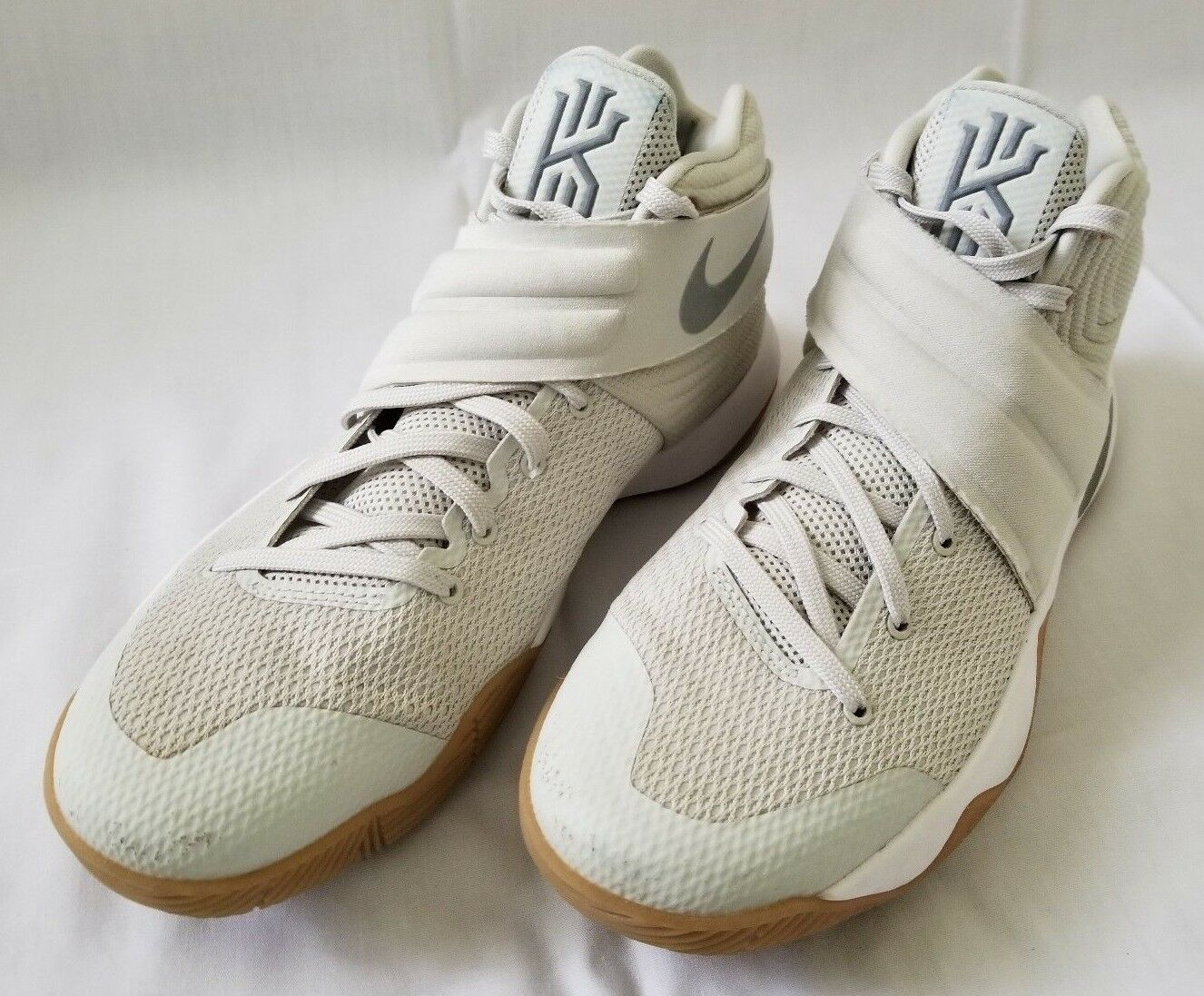 Mens Sz 9.5 Nike Kyrie 2 Summer Pack Light Bone Reflective Silver White Sneakers