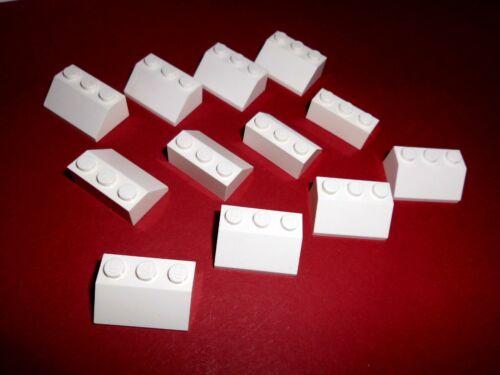 Lego in weiß aus 7723 6346 7259 7163 3038 12 Dachsteine 45° 2x3x1