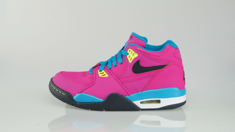 NIKE AIR FLIGHT 89 Taille 38 (6Y)