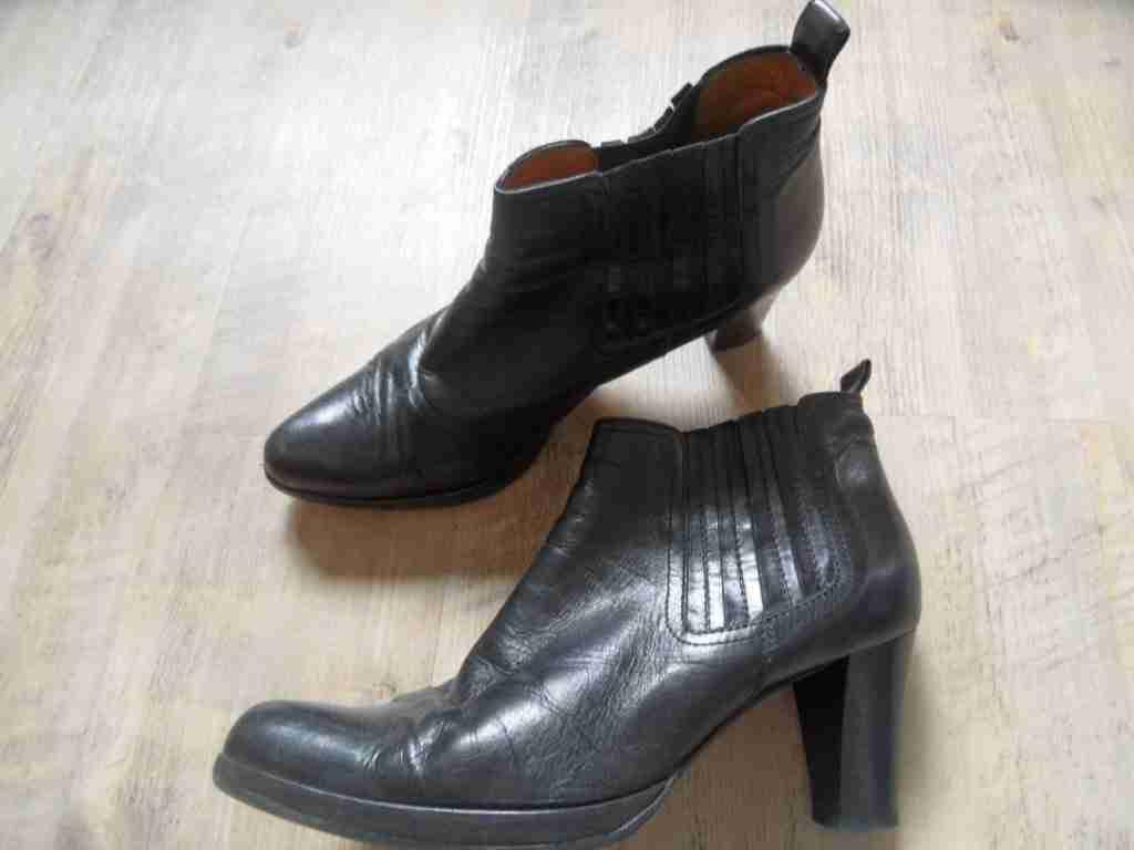 LISA FABIANI Lavorazione Artigiana Ankle Stiefel schwarz Gr. 40 TOP BI417
