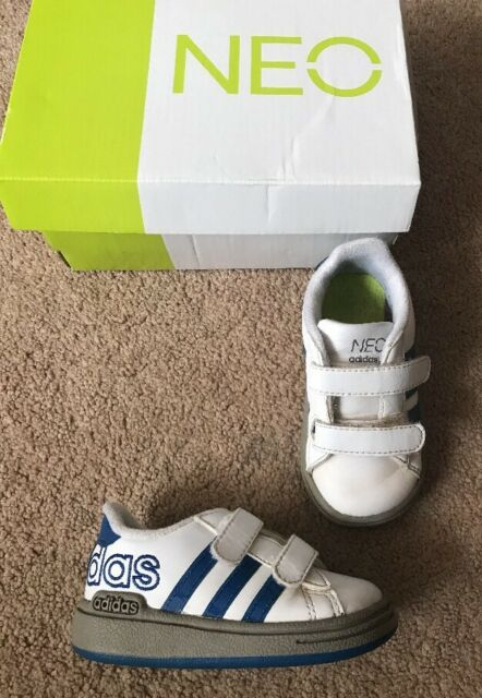 finest selection 7b72a 5b443 Boys Adidas Neo Trainers Pumps White Blue Uk Infant Size 4 Cute With Box