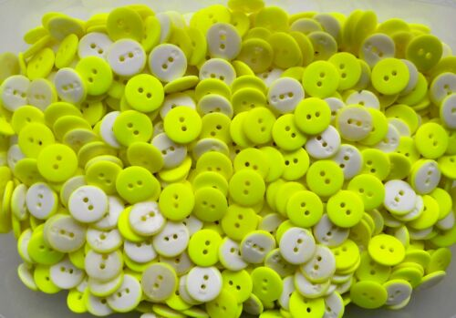 Small 15mm 24L Pink Yellow Bright Neon /& White 2 Hole Buttons 50 100 W295 W776