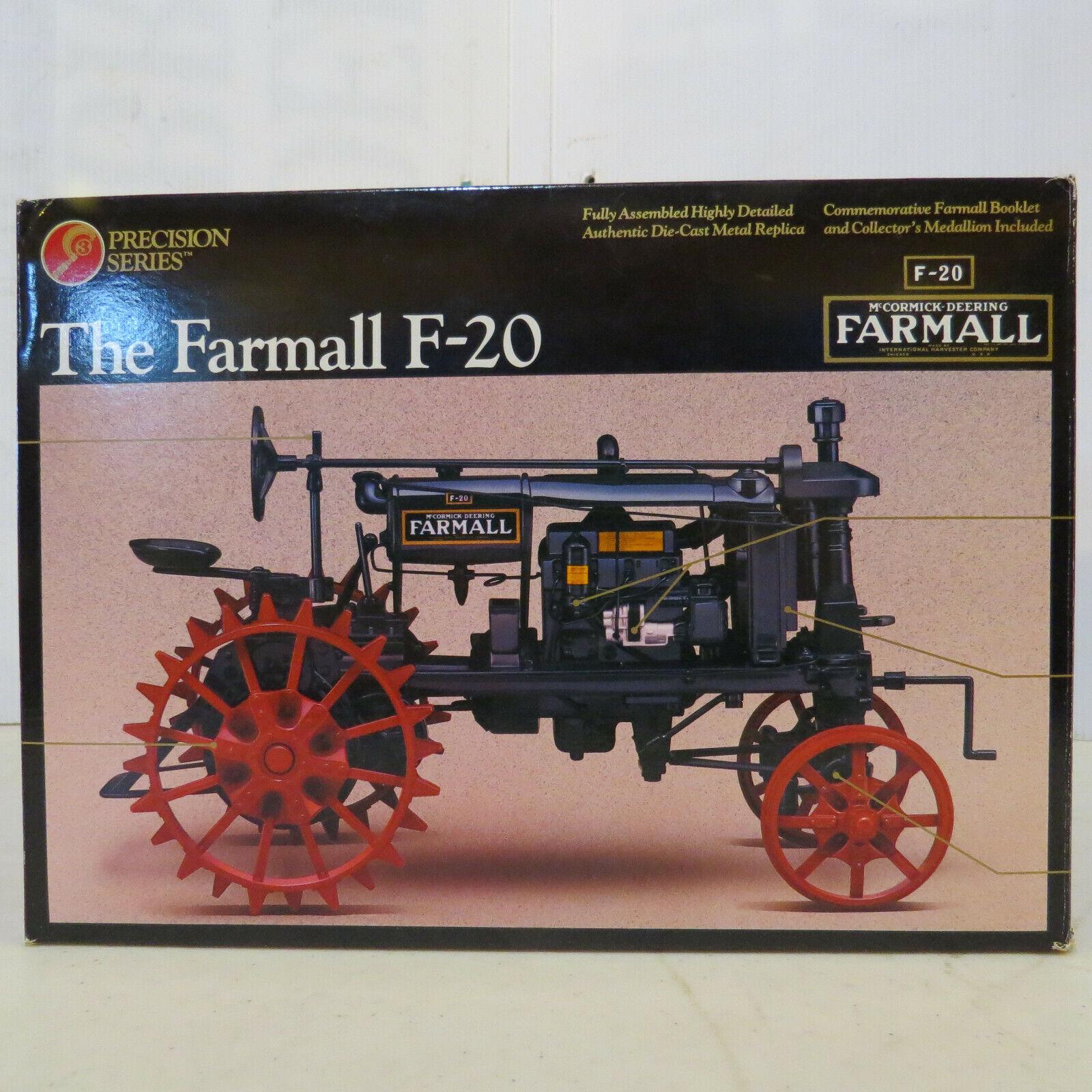 Sconto del 60% Ertl Ertl Ertl Precision Farmtutti F-20 Tractor WF IH432  forniamo il meglio