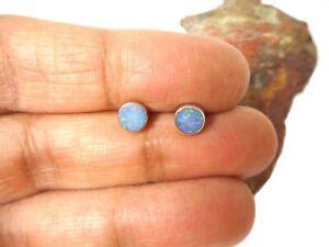 Kleiner-runder-Australischer-Opal-Sterling-Silber-925-Edelstein-Ohrstecker-4-mm