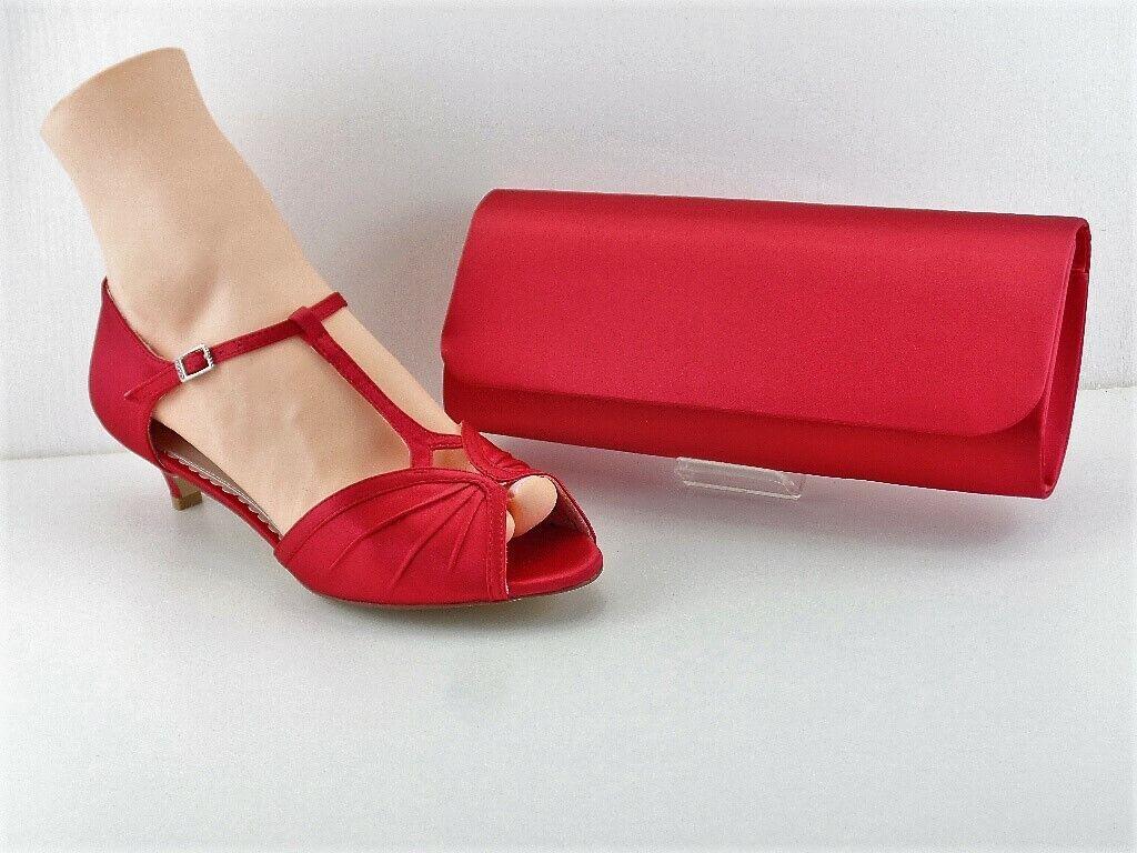 una marca di lusso Scarpe Scarpe Scarpe di corrispondenza e Bag rosso Cherry Satinato Punta Aperta Tacco 1.75  NUOVO CON SCATOLA  prezzi più convenienti