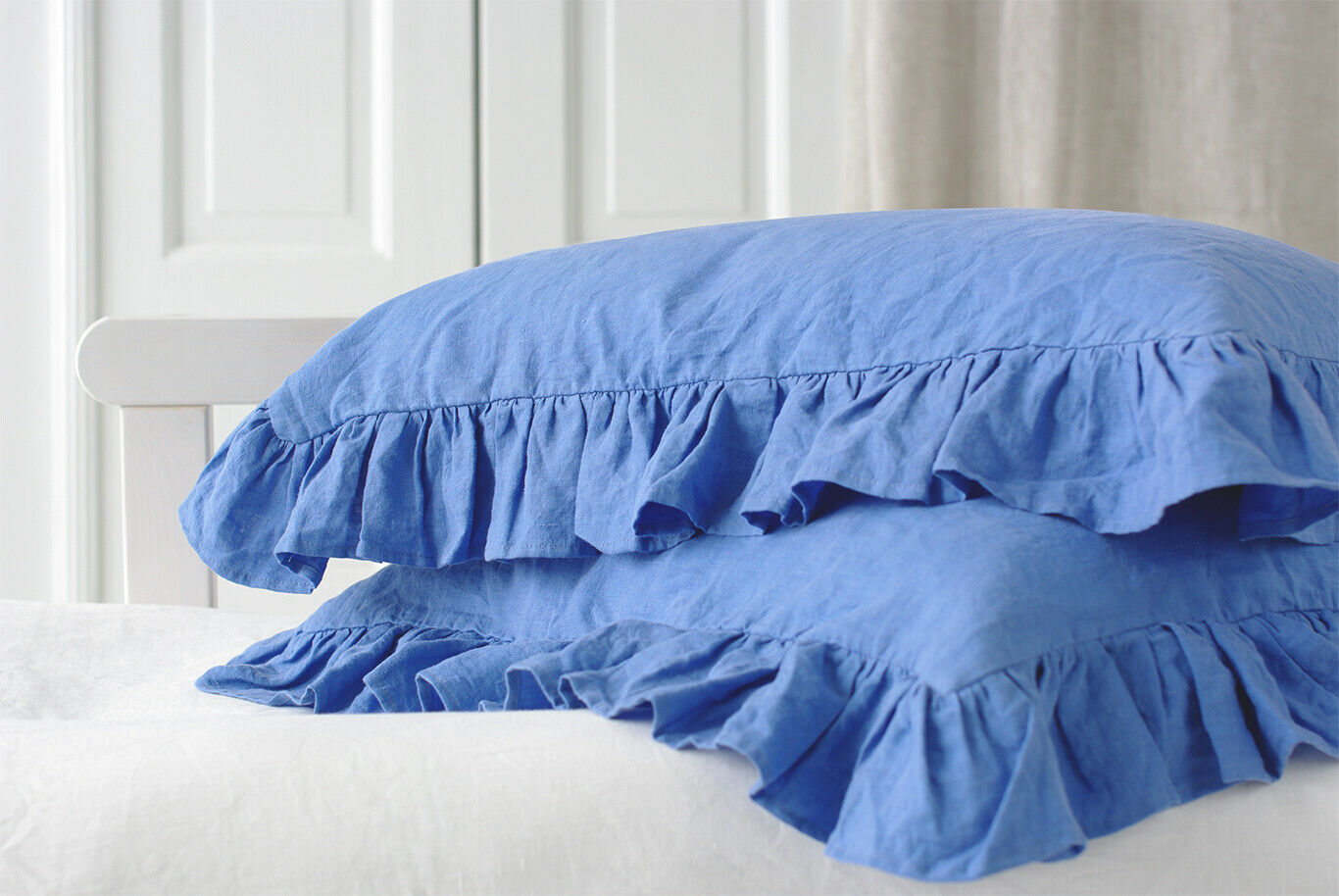Set of 2 Dusk Blau All-Sided Ruffle Stonewashed Linen Pillowcases