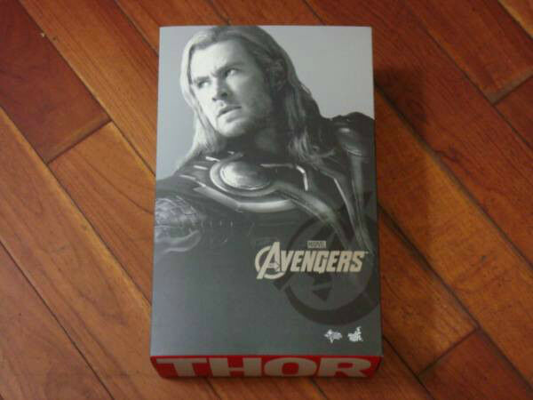 Thor hot toys avengers mms MINT