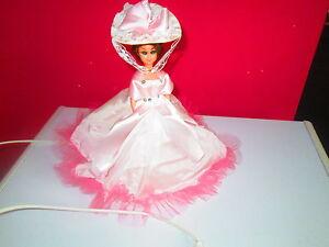 De Robe Ancienne Rose Lampe Chapeau Détails Chevet Sur Poupee 8nO0wvymN
