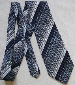 Vintage Tootal Cravate Homme Large Cravate Rétro Fashion Bleu Marine à Rayures Bleu-afficher Le Titre D'origine Pour Classer En Premier Parmi Les Produits Similaires