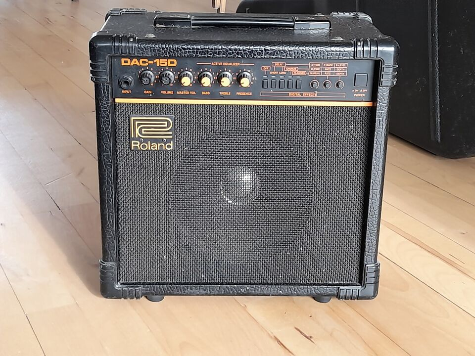 Guitarforstærker, Roland DAC-15D, 15 W