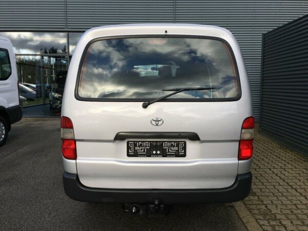 Toyota HiAce 2,5 D-4D 95 lang - billede 2