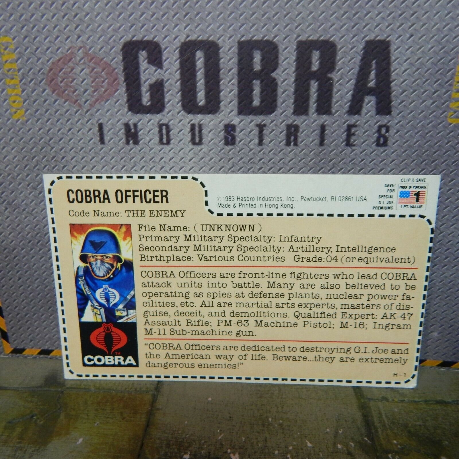 GI JOE  rot BACK FILE CARD  1982 COBRA OFFICER  THE ENEMY