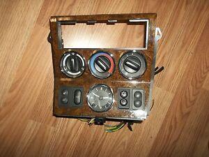 2000 2002 Bmw Z3 Center Console Stereo Clock Knobs Radio