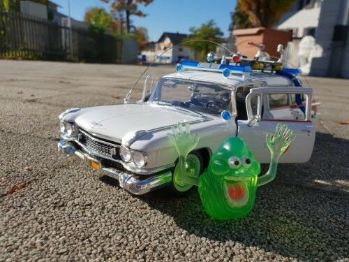 Cadillac LECIO 1 GHOSTBUSTERS with Slimer awss 118 1 21 AutoWorld