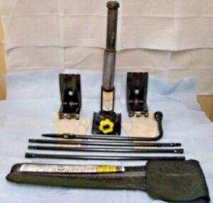 1999-2006-SILVERADO-TAHOE-AVALANCHE-SIERRA-ESCALADE-10-BOTTLE-JACK-TOOLS-amp-CASE