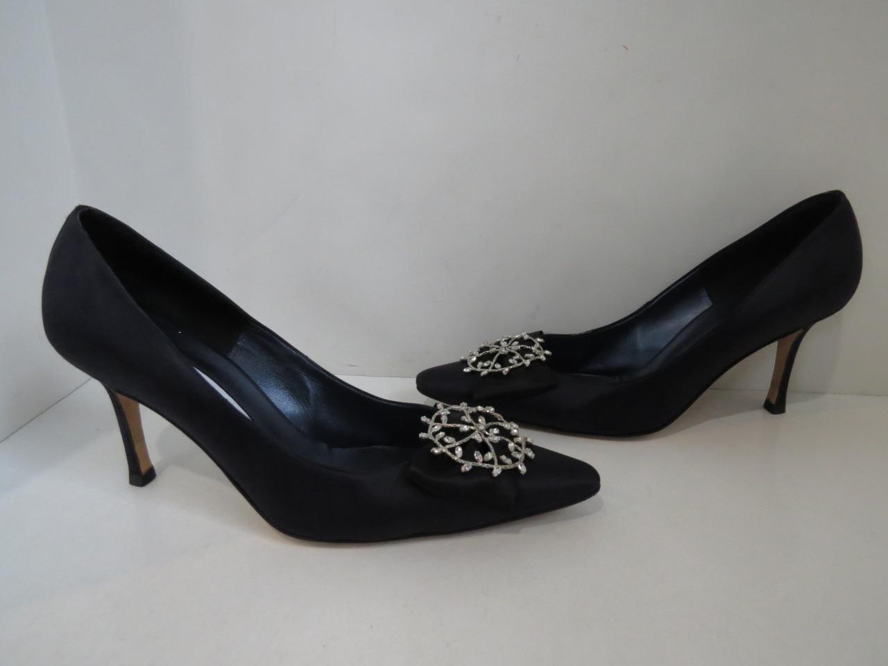 autorizzazione ufficiale Manolo Manolo Manolo Blahnik Midnight Satin Pumps w Bow & Crystal Brooch Heels scarpe Dimensione 40  design semplice e generoso