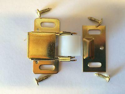 NEW LOT of 25 BRASS Jumbo Roller Catch Latch Cabinet Closure Hardware 403210 US3