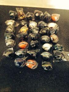 34-NFL-Mini-Gumball-Vending-Helmets