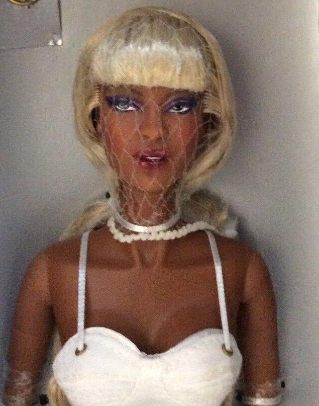 Fashion Royalty Bombshell Adele Makeda NRFB