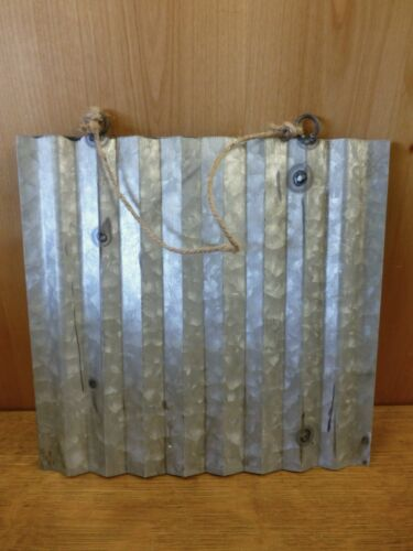 """10/"""" CORRUGATED INDUSTRIAL METAL SIGN LETTER /""""R/"""" GREEN vintage rustic wall decor"""