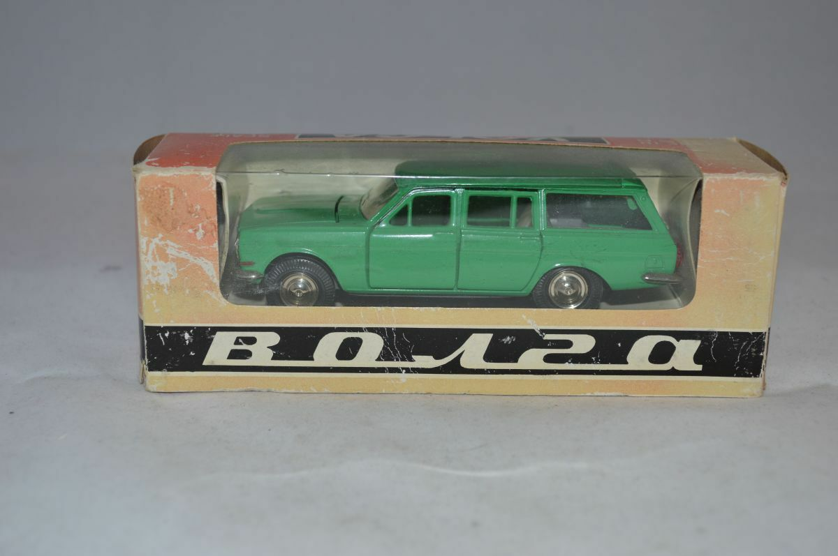 VOLGA 1960's Russian USSR Station Wagon Car Bonra A3-2402 Model Boxed 1 43
