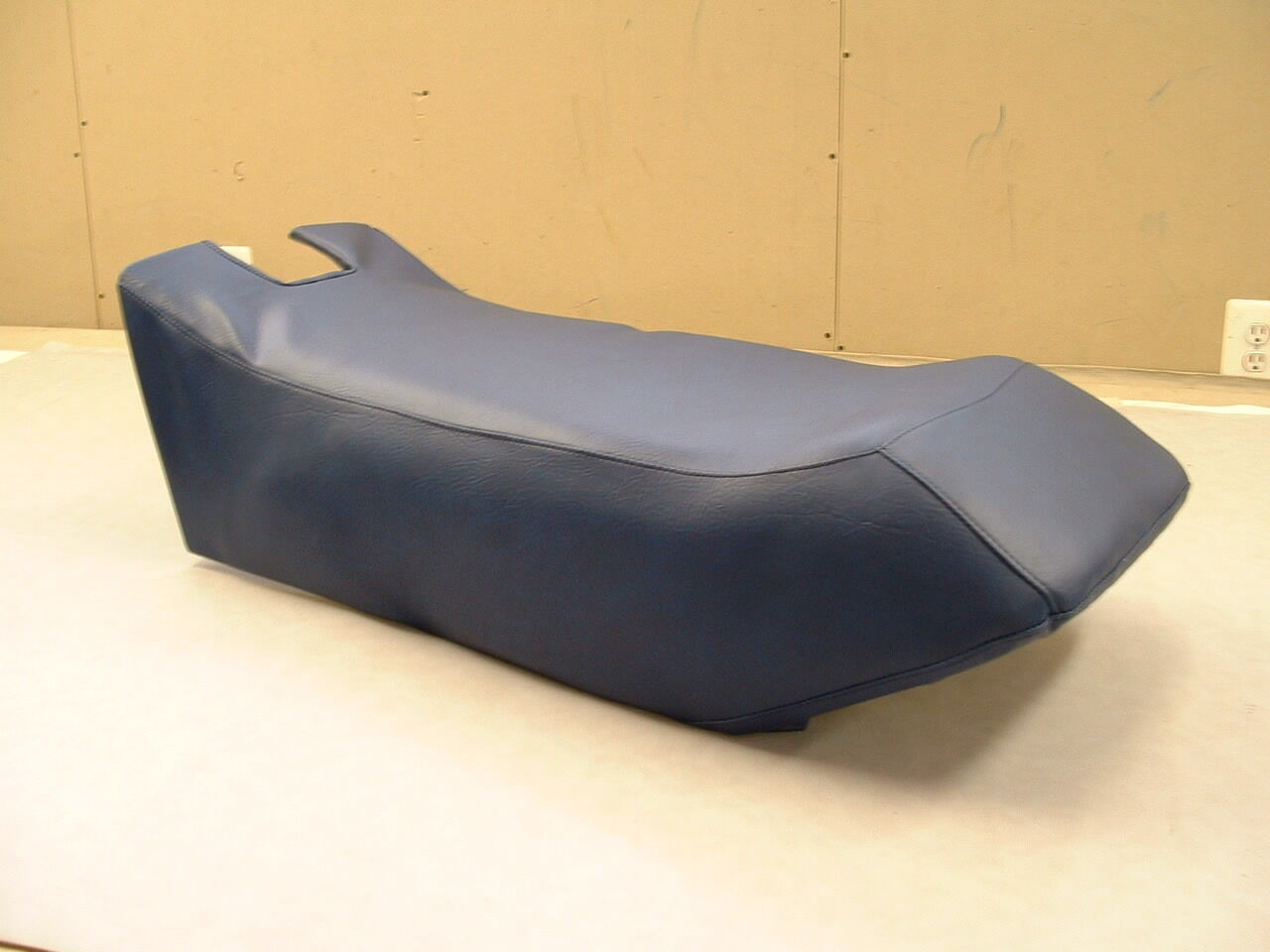 80-84 YAMAHA SS 440   80-82 SRV  blueE SNOWMOBILE SEAT COVER  NEW
