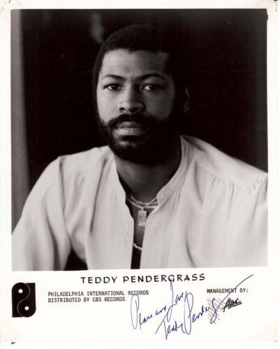 "Teddy Pendergrass 10""x8"" Black /& White Photograph Superb Autographed Pre print"