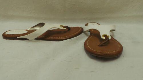 New Womens Liz Claiborne Flip Flop Sandal Style 1066139 White 103F lr