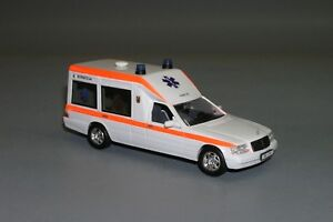 RARE-Mercedes-S-class-W140-Ambulance-White-Vector-Models-Hand-Made-1-43