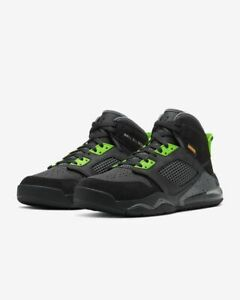 Nike-Air-Jordan-Mars-270-UK-10-5-us-11-5-eur-45-5-Schwarz-Volt-cd7070-104