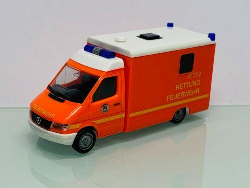 Herpa 044523 Feuerwehr Hamburg RTW MB Sprinter Kögel Aufbau 8236