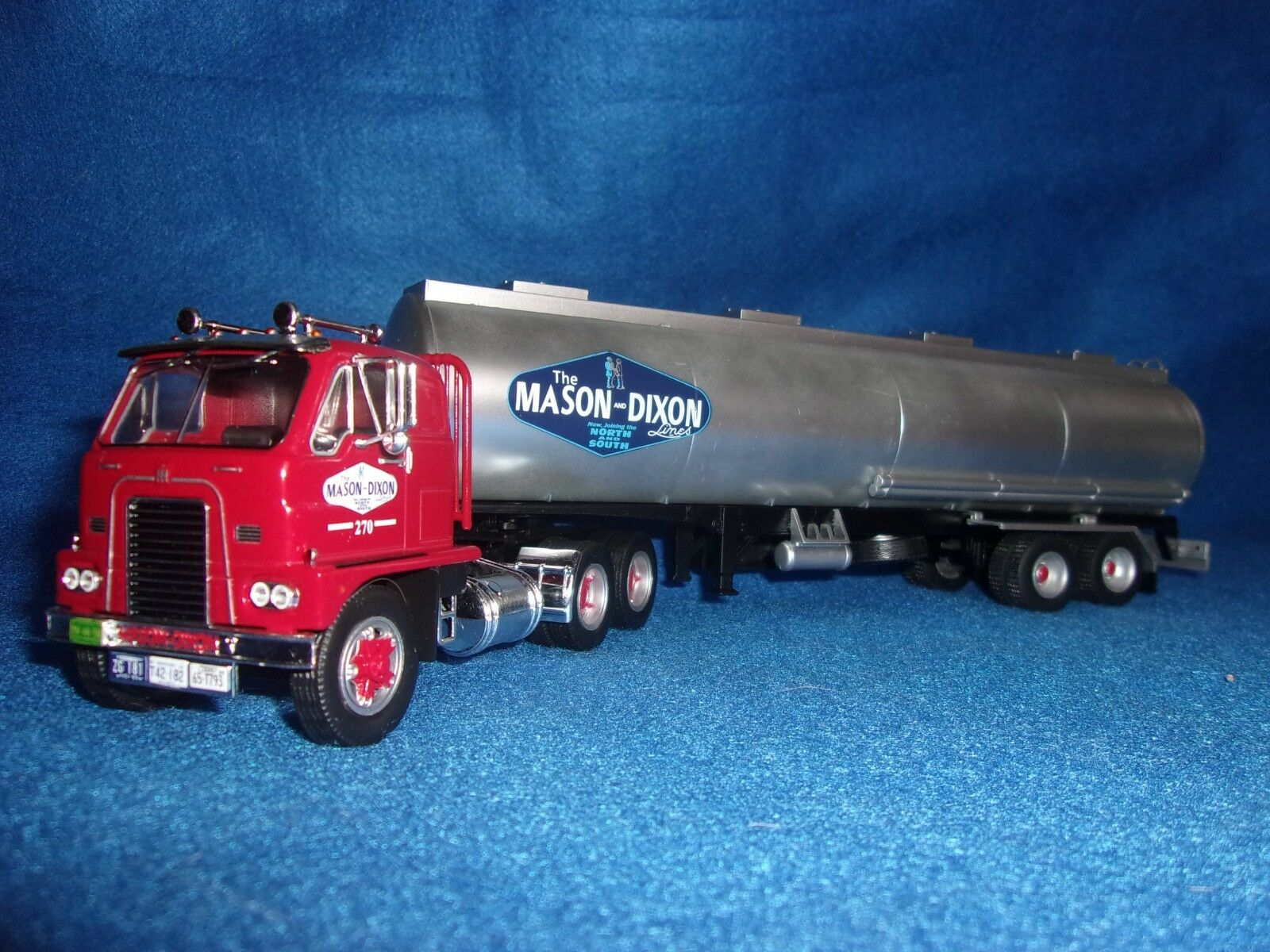 n° 100 INTERNATIONAL HARVESTER DCOF 405 Semi Remorque MASON DIXON 1/43 Neuf NEW
