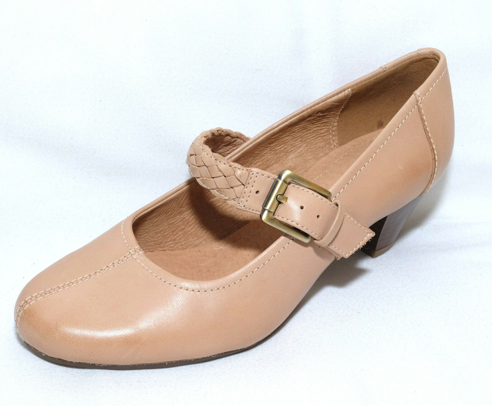 K by Clarks FEARNE DEW nude heel leather shoes size 3E.New