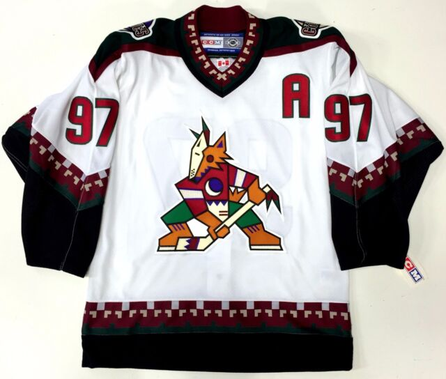 JEREMY ROENICK PHOENIX COYOTES CCM AUTHENTIC JERSEY SIZE 46 NEW WITH TAGS 942210eae