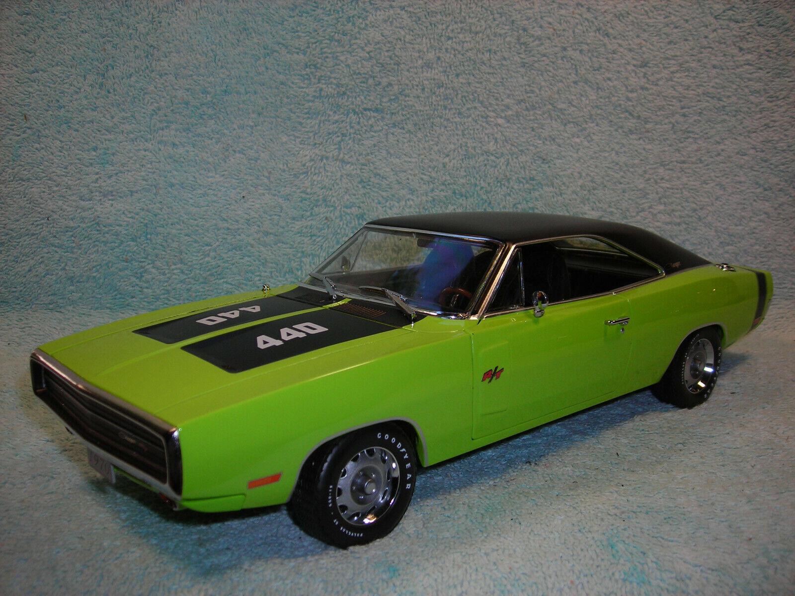 Diecast Escala 1 18 1970 Dodge Cochegador RT se En verde Lima Negro por luz verde.