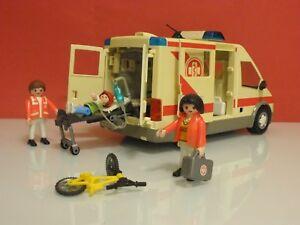 Playmobil-Rescate-Ambulancia-hospital-unidad-movil-medicalizada-samur-4221-206-1