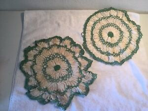 2-Vintage-Hand-Crocheted-White-amp-Green-Doilies