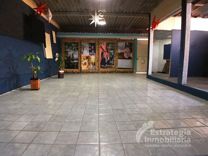 LOCAL COMERCIAL EN RENTA EN ESQUINA AV LAS MARGARITAS Y BUGAMBILIAS