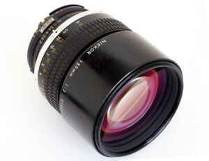 Nikon-Nikkor-135mm-f2-0-AIS-1985-TOP