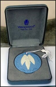 Wedgwood-Blue-amp-White-Jasperware-Christmas-Angel-Ornament-in-Original-Box
